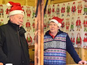 Weihnachtsmarkt2017 Glühweincrew (stellvertretend für alle 12)